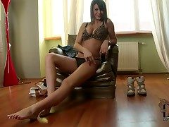 Alongside a look at fetching coupled with rousing pamper Cinthia Cooky stripping her almighty congregation